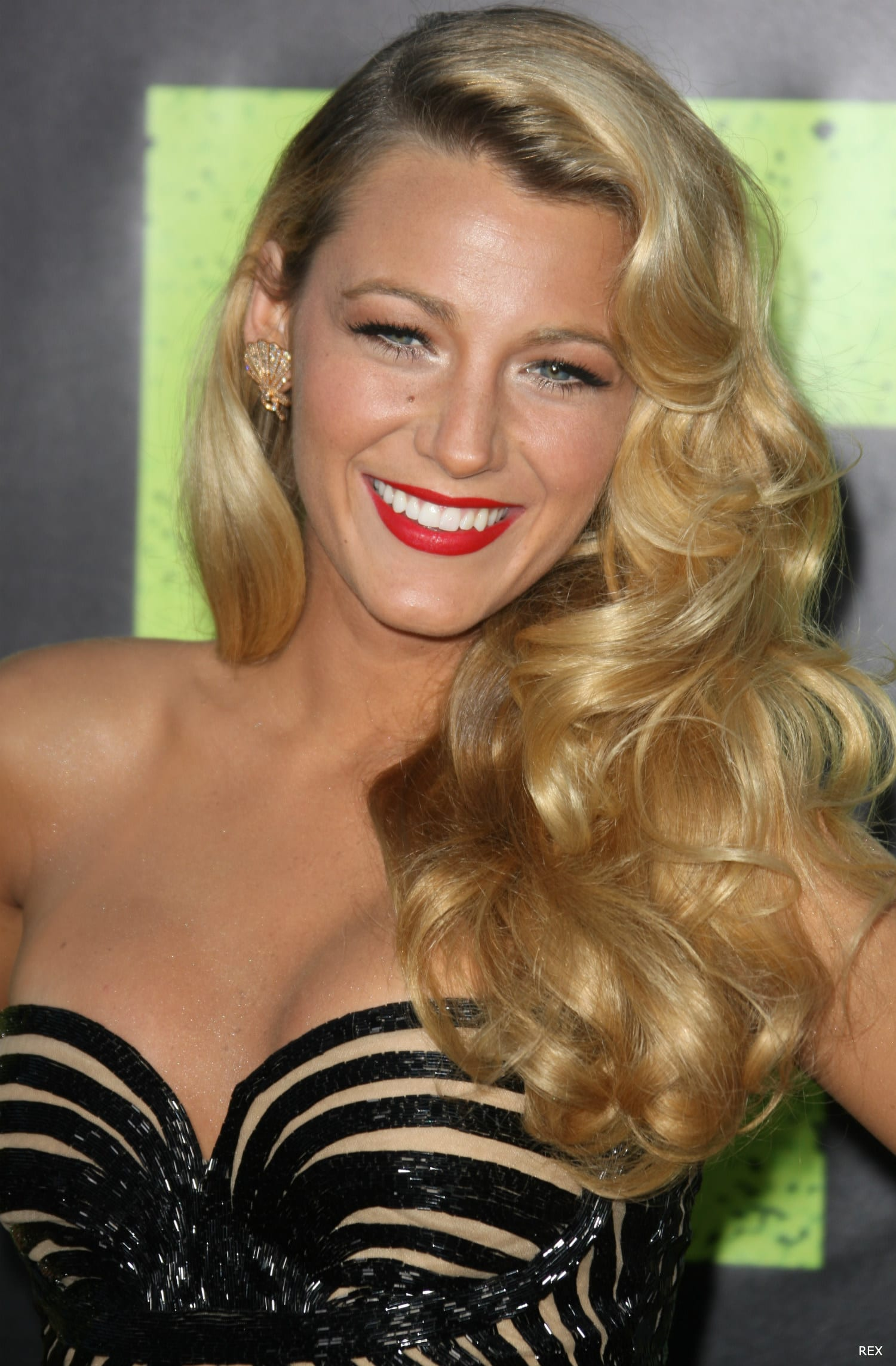 Blake Lively at the Savages Premiere in Los Angeles - Blake Lively Hairstyles