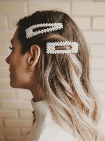 Pearl large hair barrettes