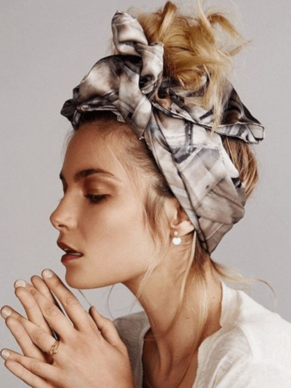 patterned hair scarf retro style