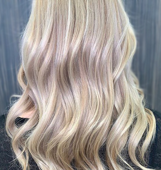 Champagne Pop Blonde Regis Stylist Eleanor Leeds Salon