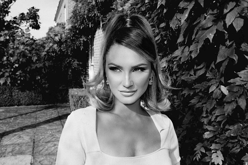Valentine's Hairstyles Sam Faiers 60s High Ponytail