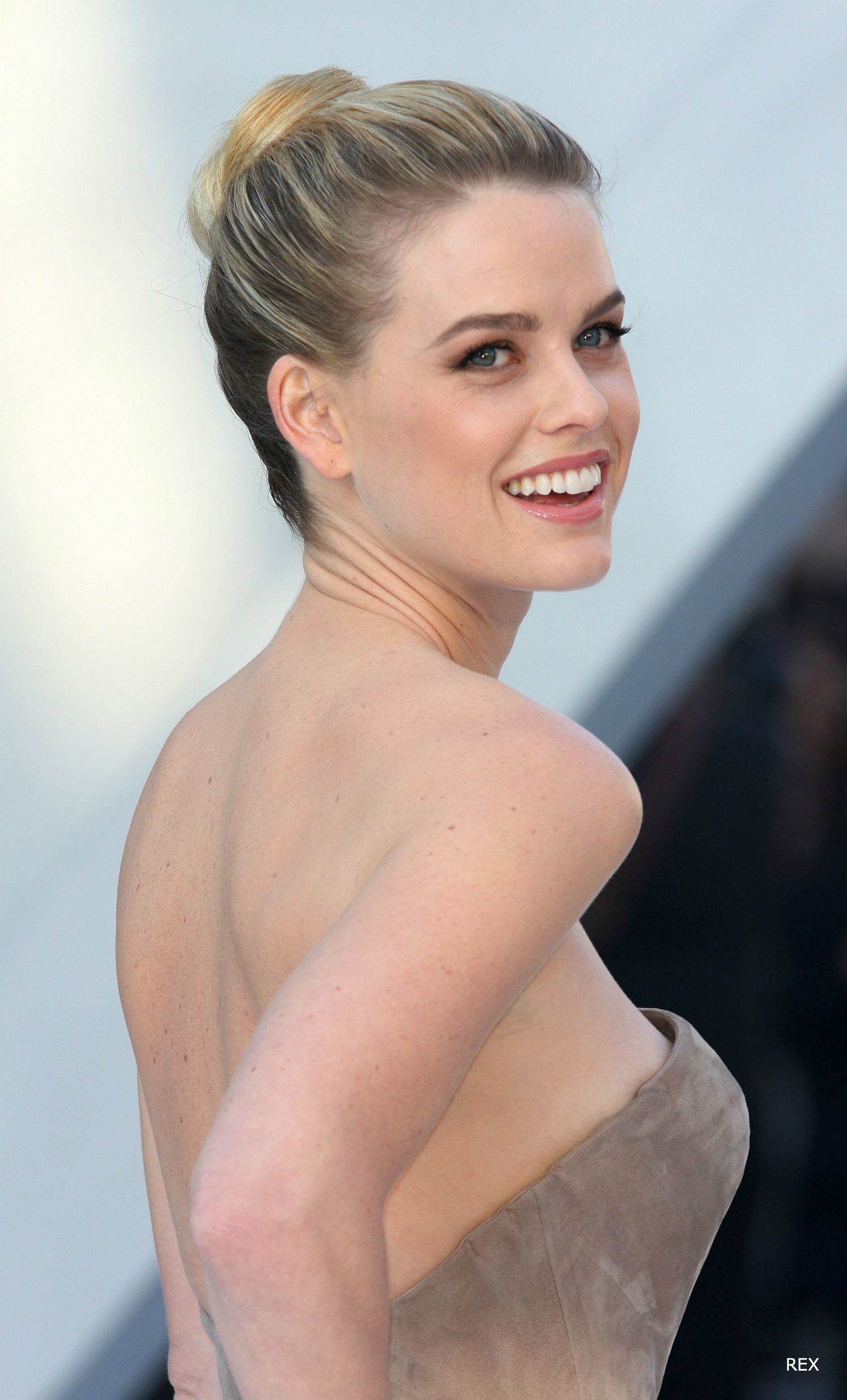 Alice-Eve-Bun-Hair